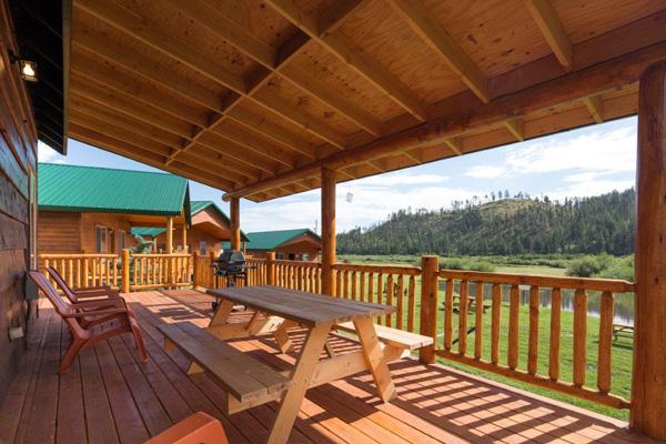 Cabin 281 Deck View | Greer Lodge Resort & Cabins