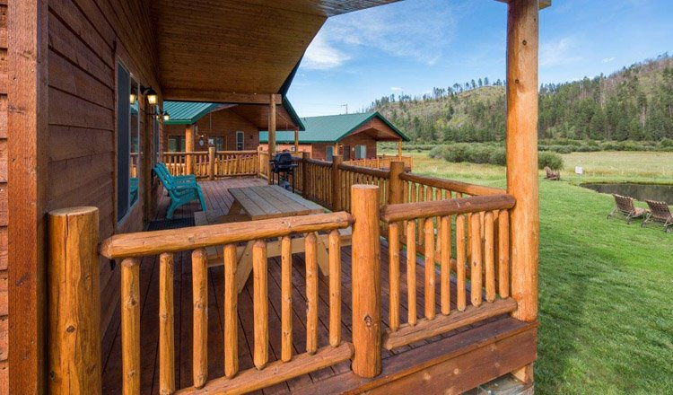 284 cabin sleeps 8 greer lodge arizona for Cabins to rent in greer az