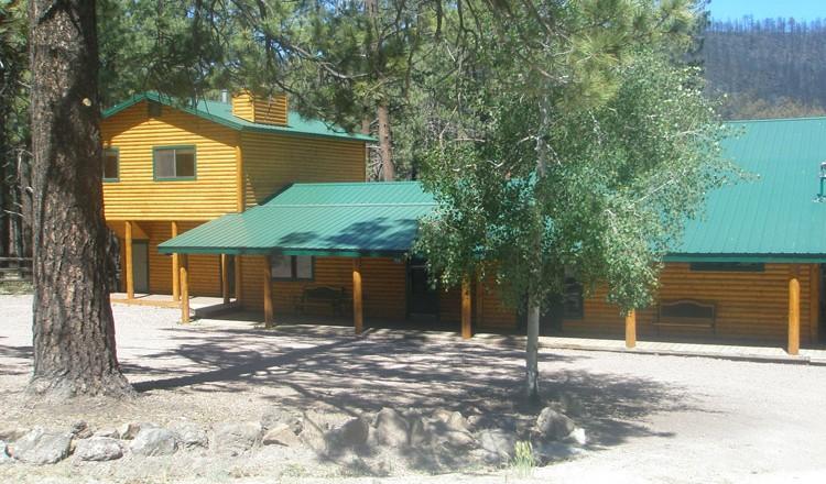 82 cabin sleeps 8 greer lodge arizona for Cabins near greer az