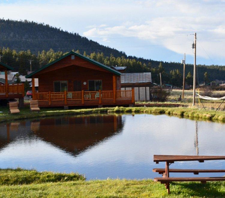 282 cabin sleeps 8 greer lodge arizona for Cabins near greer az