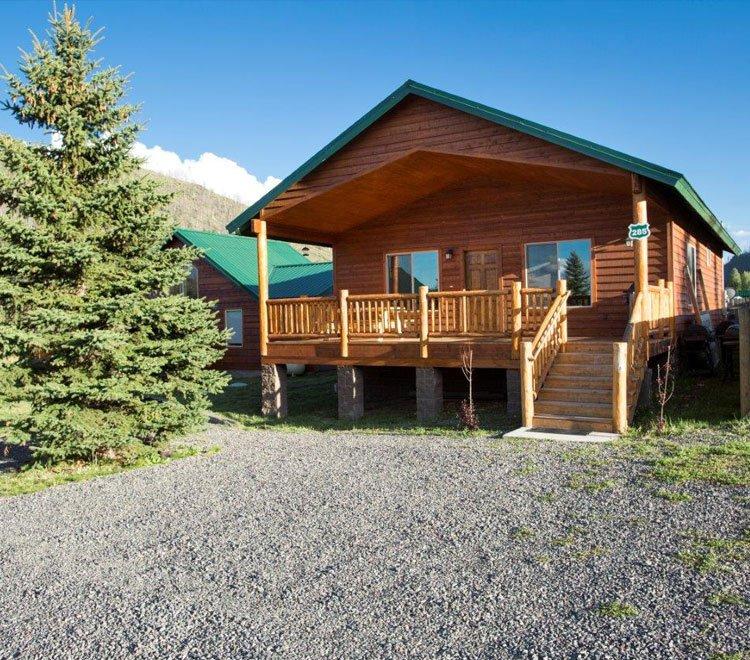 Cabins sleep 8 greer lodge arizona for Cabins near greer az